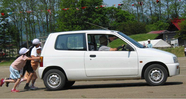 uruchamianie samochodu na pych